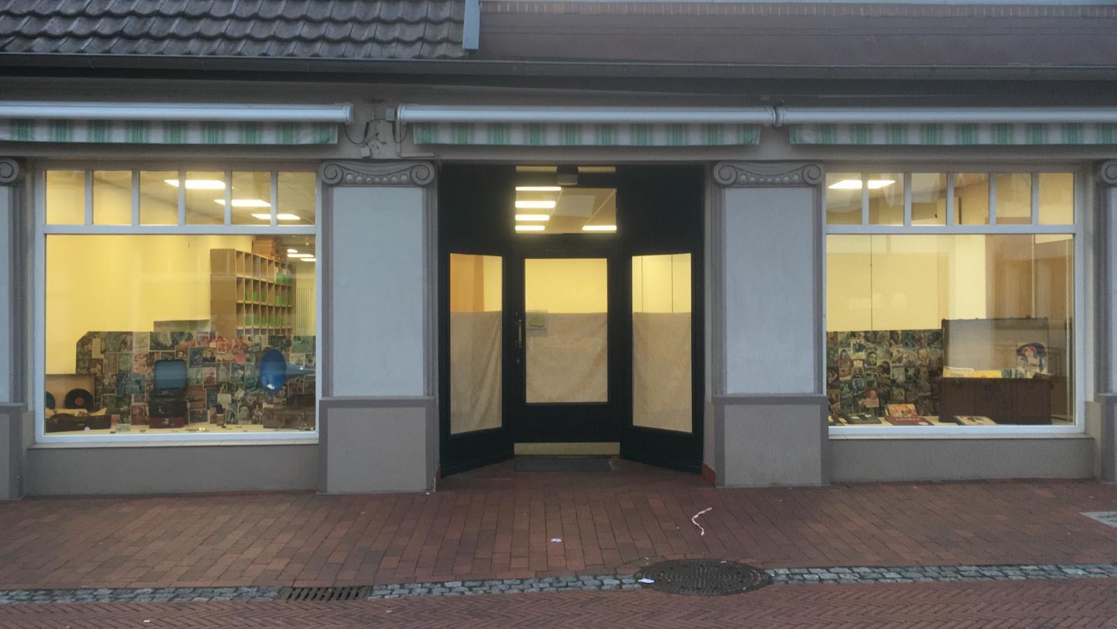 Gesamtansicht Laden Schellack-Plattenshop